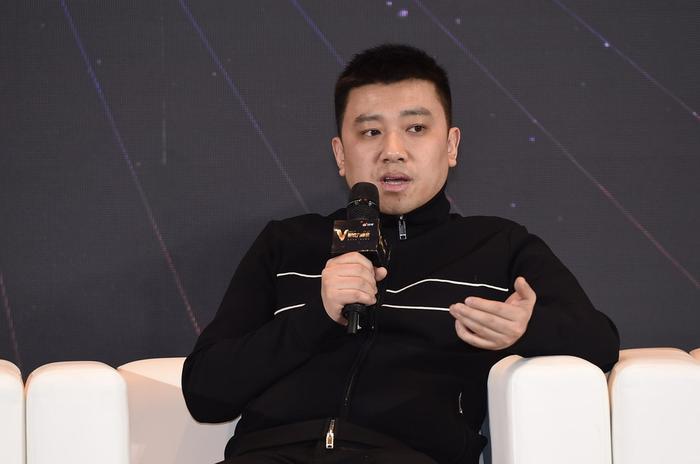 觉醒东方文化经纪公司创始人兼CEO纪翔在V影响力峰会上